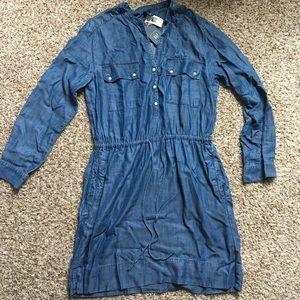 BNWT Chambray Gap Drawstring Shirtdress